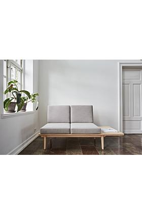Duus & Møller Nordic Silence Sofa 2-Sitzer - Tisch rechts